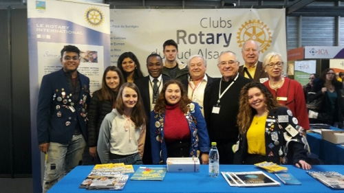 Le stand du Rotary 1680 reçoit les Students Exchange (2)