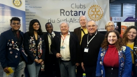 Le stand du Rotary 1680 reçoit les Students Exchange